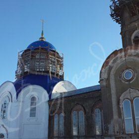 Архитектурные формы храма-от угловатых до сферических.
